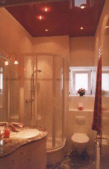 Натяжной потолок в ванной — фото 6