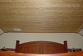 Деревянный потолок в спальне — фото 1