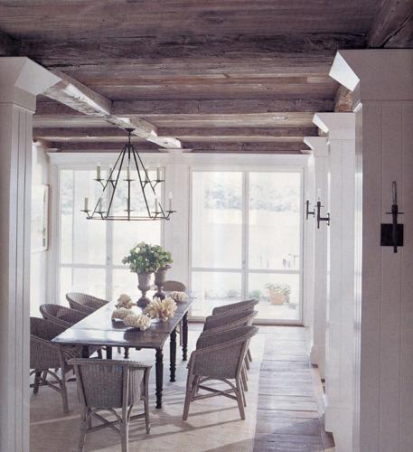 Деревянный потолок на кухне — фото 2