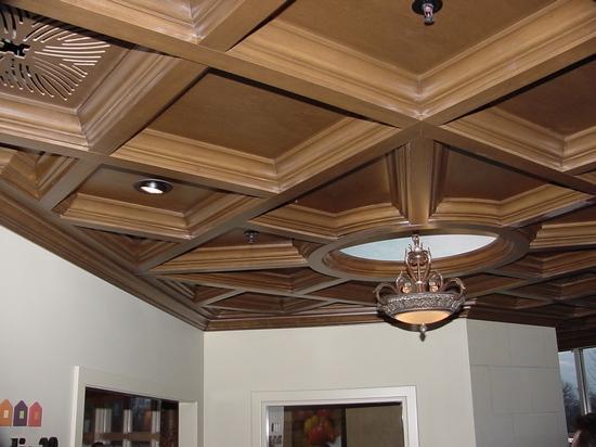 Деревянный потолок — фото 125