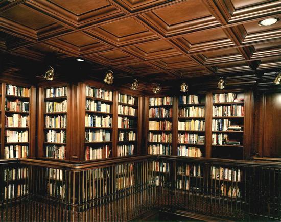 Деревянный потолок — фото 126
