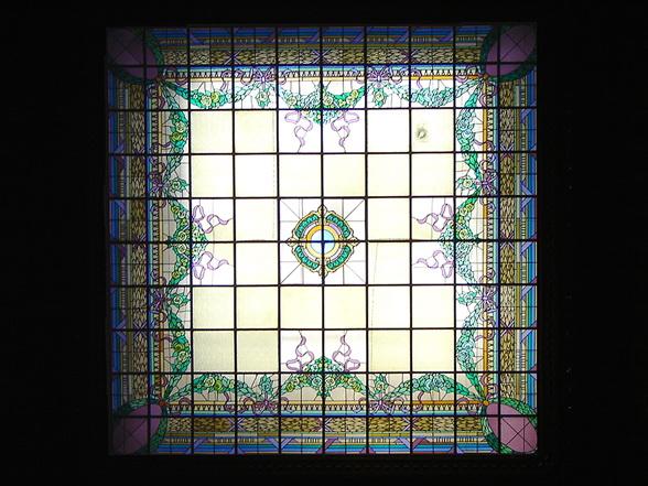 Витражный потолок — фото 39