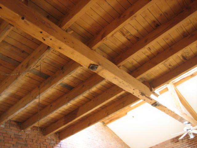 Деревянная крыша как потолок