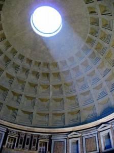 Кирпично-бетонная ротонда Пантеона перекрытая полусферическим кессонированным куполом (фото 5)