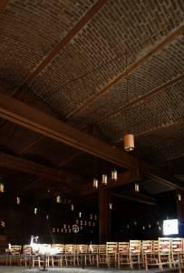 Сводчатый потолок из красного кирпича