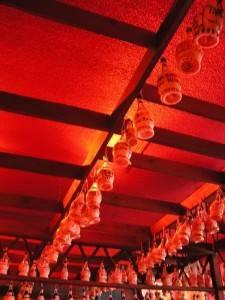 Деревянный потолок — фото 51