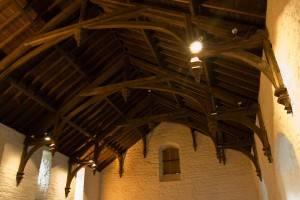 Деревянный потолок — фото 92