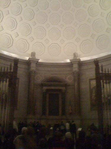 Потолок ротонды Национального Архива в Вашингтоне
