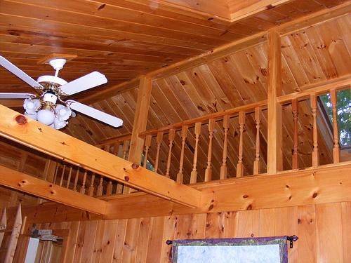 Деревянный потолок — фото 94