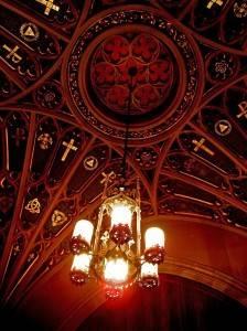 Деревянный потолок — фото 40