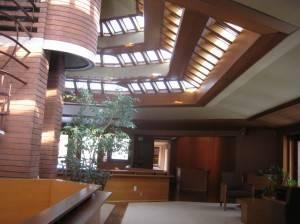 Деревянный потолок — фото 12