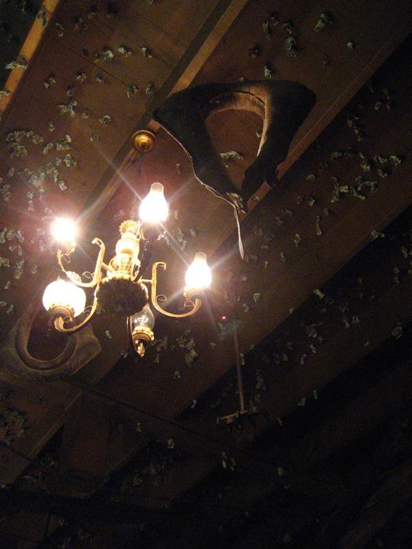 Деревянный потолок — фото 87