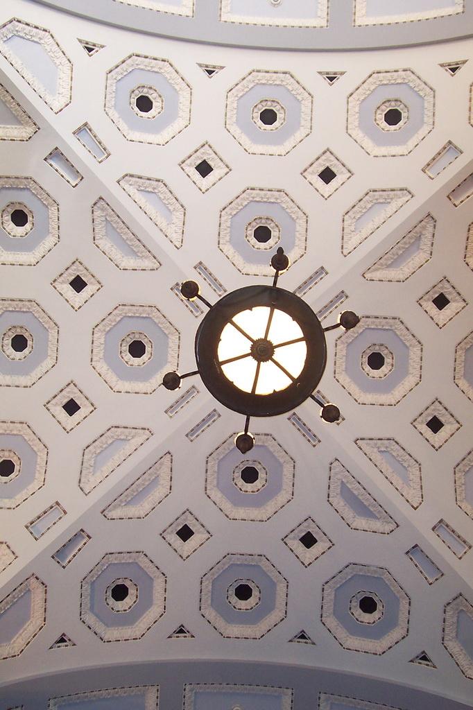 Кессоный потолок в мэрии Брисбена
