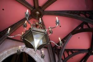 Деревянный потолок — фото 71