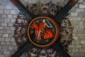 Герб на замковом камне в церкви Санта-Мария-дель-Мар