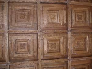 Деревянный потолок — фото 97