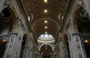 Лепной декор на потолке собора Святого Петра, Ватикан