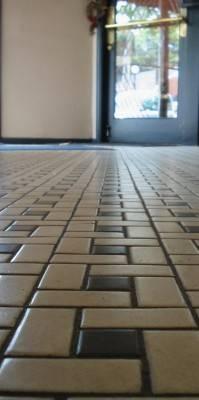 Пол из керамической плитки — фото 54