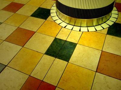 Пол из керамической плитки — фото 59