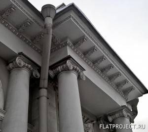 Лепнина на капителе колонны