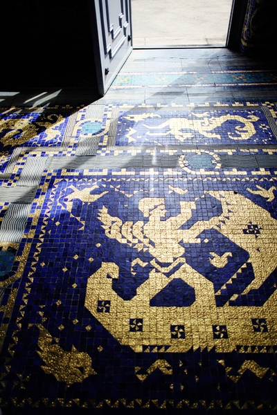 Мозаичный пол в парадной