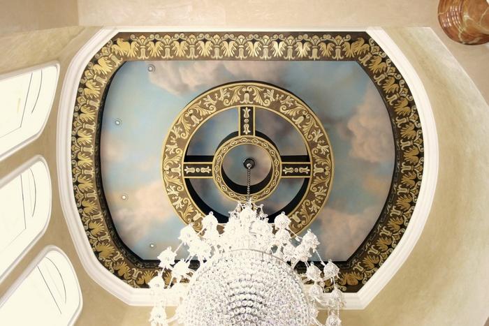 Дизайн потолка в стиле ренессанс