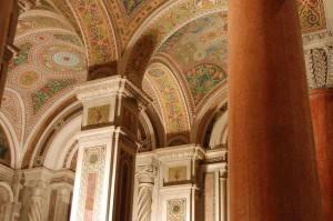 Общий вид на потолок в кафедральной базилике Сент-Луиса