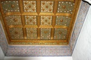 Фрагмент позолоченного потолка Севильского Алькасара