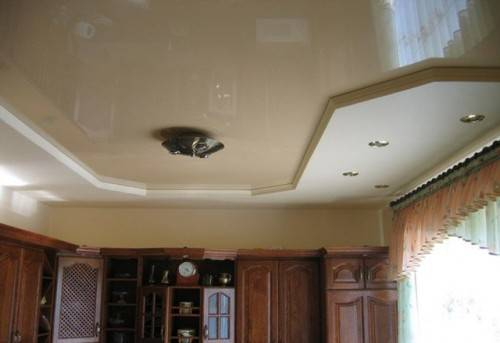 Комбинированный потолок с натяжной вставкой