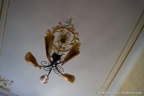 Роспись лепнины на потолке - до/после 11