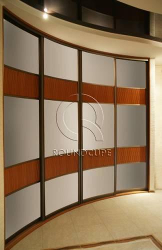 Радиусный шкаф для прихожей