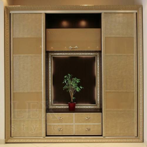 Квадратный шкаф