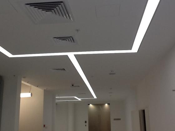Дизайнерское освещение в деловом центре — фото 1