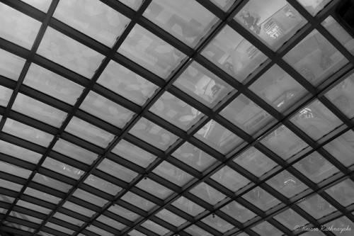 Кессонный потолок из стекла