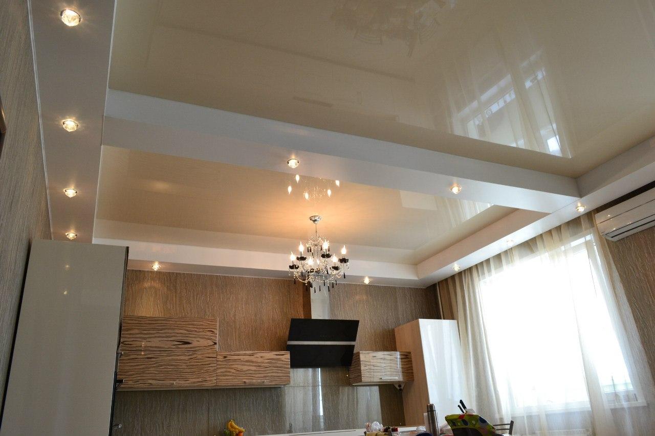 Как сделать натяжной потолок с балкой на стене