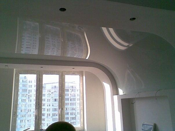 Изогнутый натяжной потолок от VIE-STYLE
