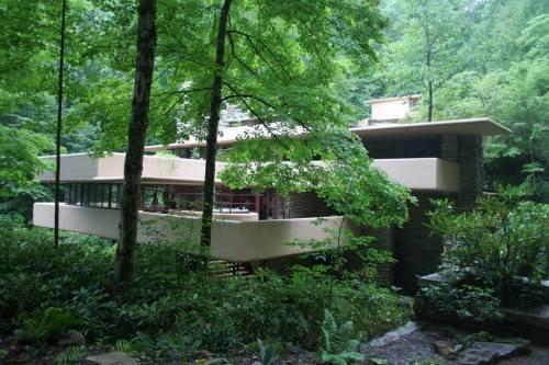 Дом над водопадом (Fallingwater)