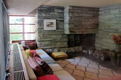 Дом над водопадом (Fallingwater) - Интерьер
