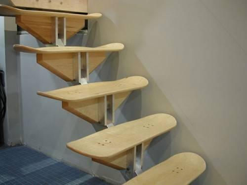 Лестница из дек от скейтбордов