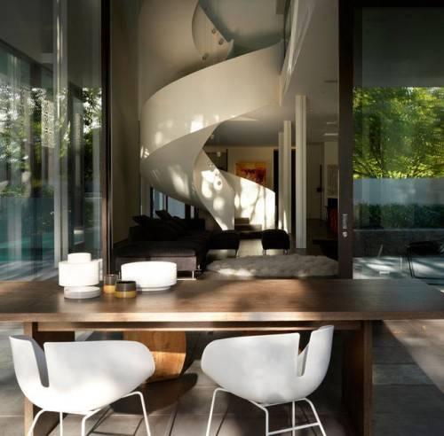 Спиральная лестница от Robert Mills Architects