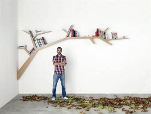Книжная полка в виде ветви дерева