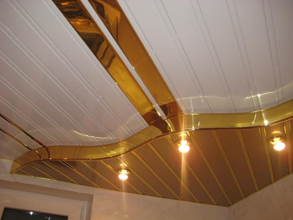 Реечный многоуровневый потолок