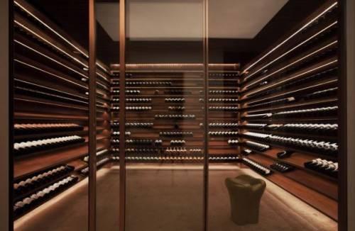 Минималистичный дизайн винного погреба от Marcio Kogan