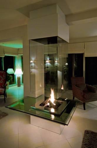 Стеклянные камины от Bloch Design