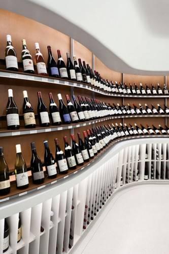 Система хранения в магазине Vintry Fine Wines в Нью-Йорке