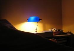Фото светильника в спальной комнате