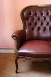 Классическое кресло