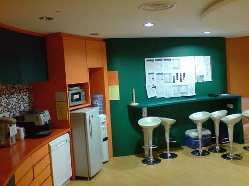 Пример обстановки офисной кухни