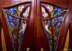 Декорирование витражом двери со стеклом — фото 13