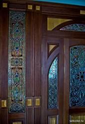 Витражная ниша у входной двери в квартиру — фото 6